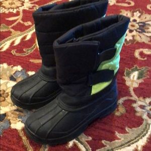 Shoes - Youth snow boots